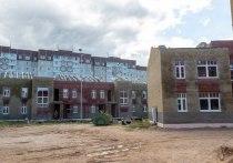 Михаил Ведерников проверил ход строительных работ в соцгородке