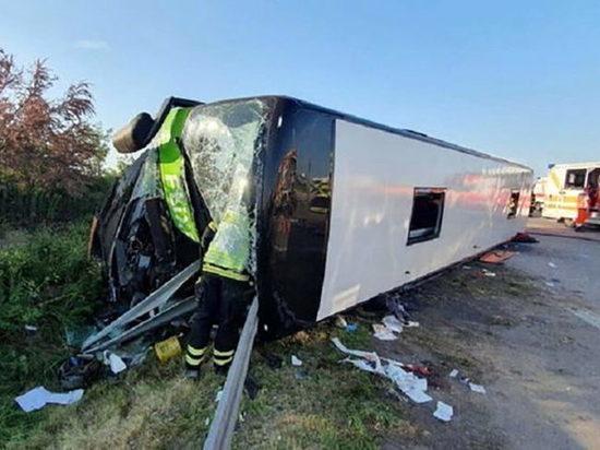 11 человек погибли при перевороте автобуса с мигрантами в Техасе