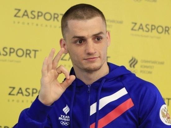 Боксер Бакши принес России 54-ю медаль