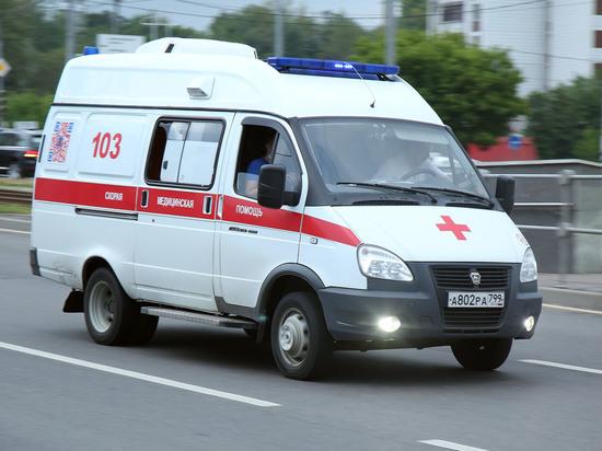 Трехлетний мальчик, которого родной отец 4 августа выбросил из окна пятого этажа хрущевки на юго-востоке Москвы, находится в тяжелом состоянии в детской больнице