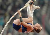 """До конца Игр-2020 остается всего несколько дней, и в этот четверг, 5 августа, наши спортсмены продолжают бороться за бронзовые медали в борьбе, гребле, боксе и пляжном волейболе. А еще будут прыгать Анжелика Сидорова (с шестом) и Мария Ласицкене. """"МК-Спорт"""" обо всем подробно расскажет."""