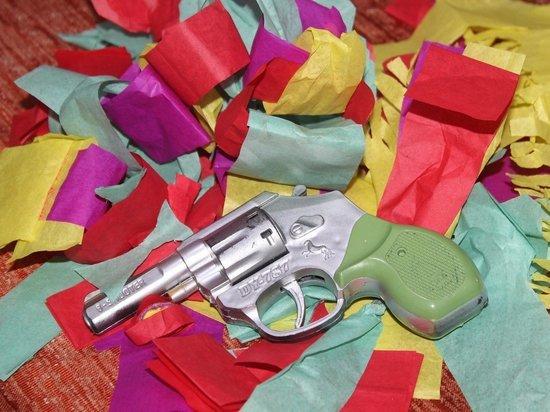 Междуреченку задержали за ограбление табачного киоска с игрушечным пистолетом