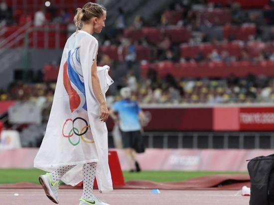 Анжелика Сидорова взяла первую медаль в легкой атлетике на Олимпиаде-2020 для России. До «золота» было совсем немного, не хватило решающего прыжка. «МК-Спорт» расскажет, как это было, и почему в «серебре» Сидоровой винят Елену Исинбаеву.