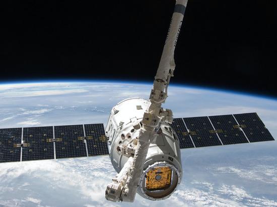 Незапланированный пуск двигателей многофункционального лабораторного модуля (МЛМ) «Наука» после его стыковки с российским сегментом Международной космической станции (МКС) спровоцировал изменение общей ориентации в пространстве последней на 540 градусов