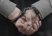 Охранник школы на юго-востоке Москвы отправлял 13-летнему ученику сообщения сексуального характера