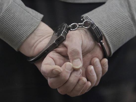 Извращенца задержали после того, как он стал приставать к мальчику прямо в учебном заведении