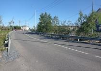 С детьми ходим по дороге: тротуар у нового детсада просят оборудовать жители Салехарда