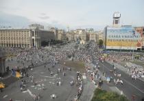 Украинский политолог Алексей Голобуцкий обрушился с критикой на своих соотечественниц-синхронисток, которые во время Олимпиады признались, что дружат с конкурентами из России