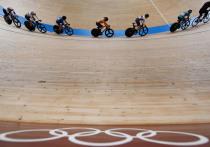 Российские велогонщицы Гульназ Хатунцева и Мария Новолодская выиграли бронзовую медаль в женском мэдисоне на летней Олимпиаде в Токио