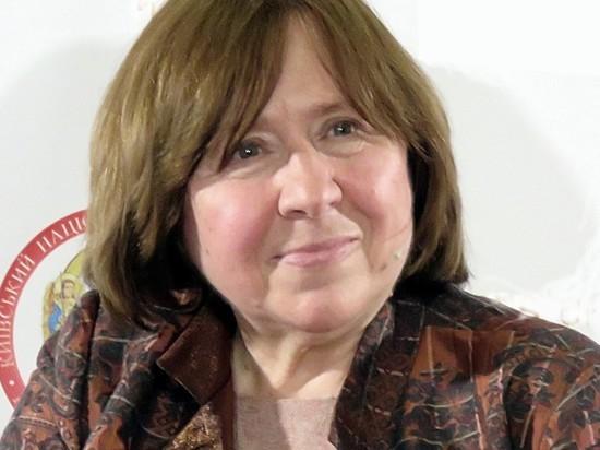 В Белоруссии из школьной программы исключили Алексиевич, Солженицына и Набокова
