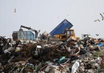Не доезжая до Лянтора, через контрольно-пропускной пункт можно попасть на полигон твердых коммунальных отходов (ТКО)