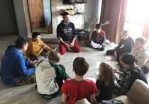 В Тюменской области активно развивается региональная система наставничества для подростков, нуждающихся в поддержке и помощи, попавших в трудную жизненную ситуацию, испытывающих проблемы в семье и школе