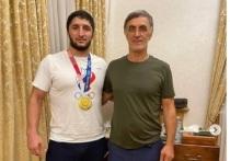 Двукратный олимпийский чемпион по вольной борьбе Абдулрашид Садулаев сообщил, что получил от депутата Госдумы Магомеда Гаджиева 1 миллион долларов