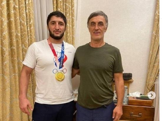 Депутат Госдумы подарил чемпиону Олимпиады Садулаеву миллион долларов