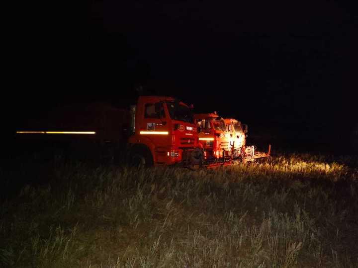 Мобильный пункт управления развернули на пожаре в Волгоградской области, фото-2