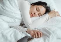 По словам медика, для сна полезны аэробные и силовые упражнения