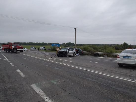 Обстоятельства лобового столкновения двух автомобилей устанавливаются