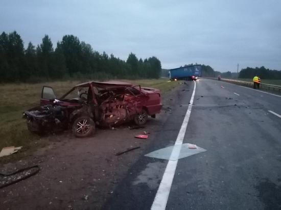 Пассажир легковушки госпитализирован с травмами