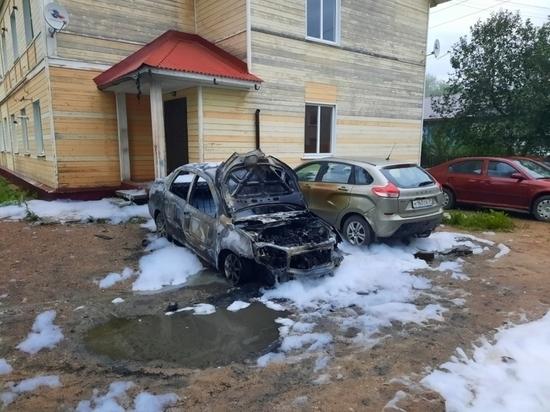 Вероятно, машина стала жертвой поджога