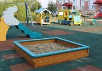 Безопасное покрытие и новые игровые комплексы появились на детских площадках в Красноселькупе
