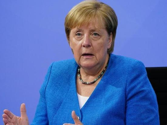 Германия: Меркель не хочет менять меры борьбы с пандемией