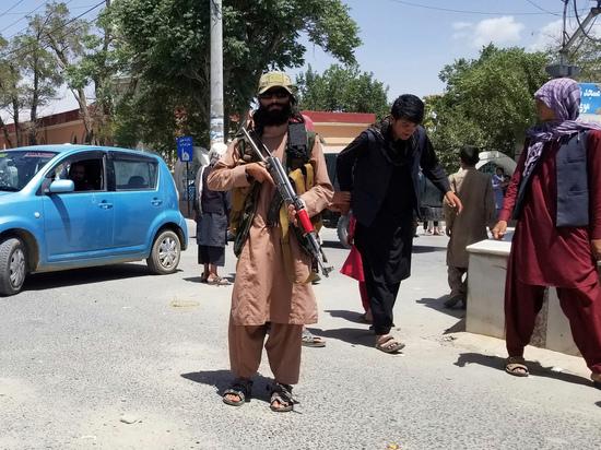 В руках талибов уже 18 афганских провинций