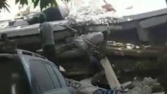 Разрушения после мощного землетрясения в Гаити сняли на видео