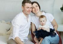 Семьи Чукотки получили выплаты при рождении первенца