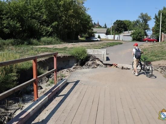 В Курске деревянный мост через реку Тускарь отремонтируют за пару недель