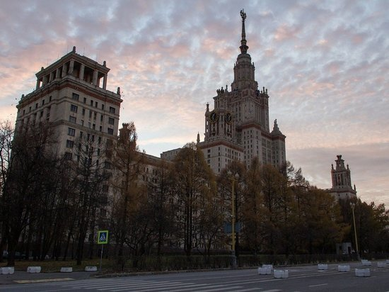 Отец девочки, сдавшей ЕГЭ в восемь лет, рассказал о готовности оплатить ее обучение в МГУ