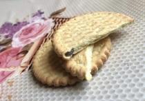 Печенье с червяком купила в мясном магазине женщина из Салехарда