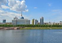 Премьер-министр РФ Михаил Мишустин в ходе визита в Казахстан похвалил руководство республики за «внимательное отношение к русскому языку»