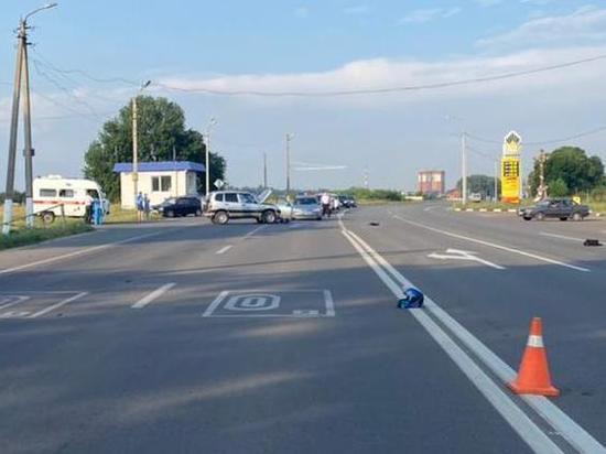 В Курской области водитель Chevrolet Niva сбил мотоциклиста