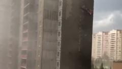 Видео последствий московского урагана: ветер срывал облицовку домов
