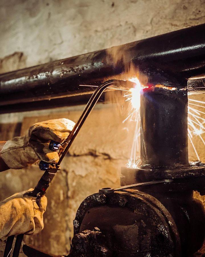 В Пскове на улице Индустриальной возле поликлиники меняют тепловые сети , фото-5