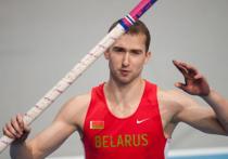 Белорусский легкоатлет Андрей Кравченко сообщил, что Министерство спорта Белоруссии запретило спортсменам выезжать на соревнования за рубеж