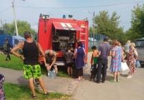 Великая сушь наступила в поселке Васькино городского округа Чехов — здесь рухнула и в буквальном смысле рассыпалась по кирпичикам старейшая водонапорная башня, которая поила без малого сотню семей