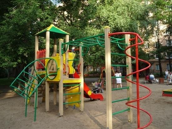 В Курске не выполнили поручение губернатора касательно благоустройства детских площадок