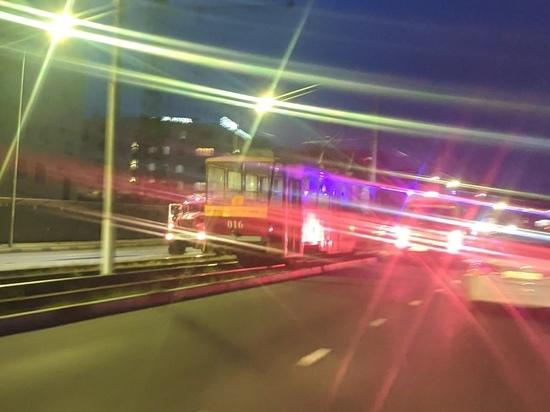 В Курске на улице Перекальского сняли на фото еще один инцидент с трамваями
