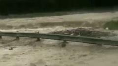 Разлившиеся реки затопили федеральную трассу в Краснодарском крае: видео