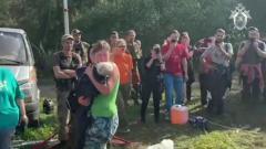 Встречу найденной под Смоленском малышки с мамой сняли на видео