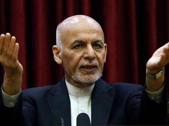 Перечислено вывезенное сбежавшим президентом Афганистана Гани имущество: денег не было