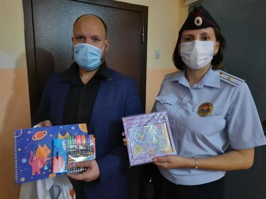 В Томской области полицейские перед учебным годом навестили неблагополучные семьи