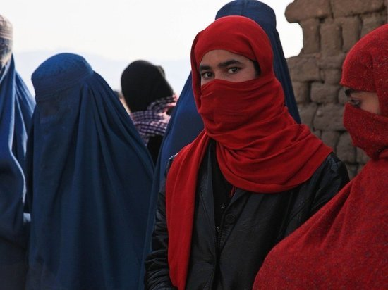 Талибы сожгли женщину из-за невкусного обеда