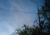 Фонари не горят годами или светят круглосуточно: на уличное освещение жалуются жители Салехарда