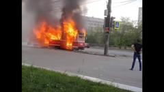 Опубликовано видео горящего трамвая в Нижнем Тагиле: пассажиры эвакуировались