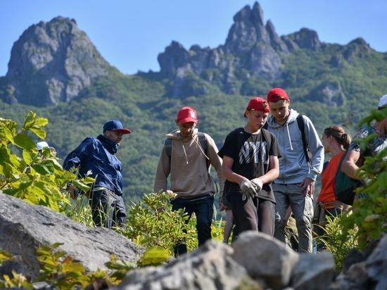 В Южно-Курильске массово сходили на вулкан Менделеева