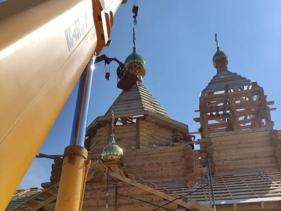 На храм в селе Красниково Курской области установили купол и колокола