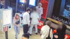 В Улан-Удэ подросток украл фигуру полковника Сандерса из KFC