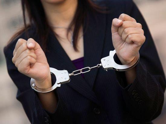Полиция Петербурга задержала женщину, ударившую ножом своего мужа